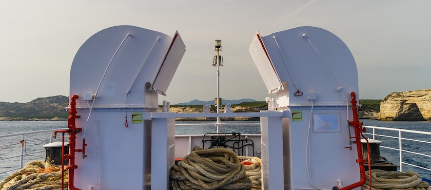 ferries to Sardinia in real time